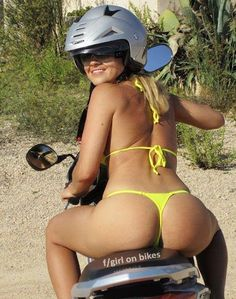 Mulher de costas de biquini na moto, Bunda Gostosa de Biquini na moto, Woman in bikini on the bike, the Sexy Bikini on the bike, babe on bike with bikini, sexy on bike, sexy on motorcycle, babes on bike, ragazza in moto, donna calda in moto,femme chaude sur la moto,mujer caliente en motocicleta, chica en moto, heiße Frau auf dem Motorrad, Butt on bike, Ass on bike