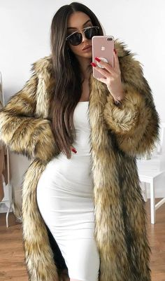 beautiful outfit / fur coat and white dress