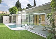 Lovely Transparence Home in Eindhoven With Thin Floating Concrete Eaves Seamlessly Blending With the Surroundings