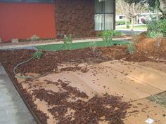30 Ideas For Landscaping Front Yard Mulch Lawn Mulch Yard, Mulch Landscaping, Landscaping Ideas, Backyard Ideas, Outdoor Ideas, Backyard Patio, Gravel Patio, Wedding Backyard, Country Landscaping
