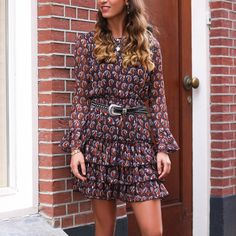 Korte paisley jurk met laagjes, My Jewellery Pink Leopard Print, Leopard Dress, Paisley Print, Oversized Blouse, Sienna Miller, Blouse Outfit, Catwalks, Camo Print
