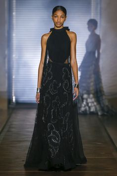 Givenchy Spring 2018 Couture Fashion Show Collection: See the complete Givenchy Spring 2018 Couture collection. Look 26