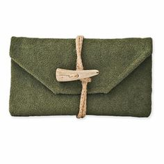 Pochette Green Laguna by Land and Sea