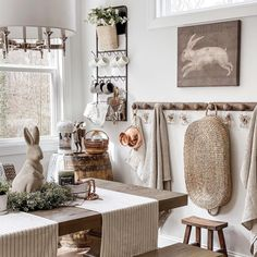 Instagram French Grey, French Country, Swedish Farmhouse, Style Deco, Entryway, Rustic, Decoration Inspiration, Top 5, Furniture