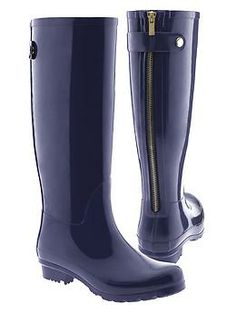 Taliah Rain Boot. (Need a new pair of rain boots for rainy and stormy weather. It floods here).