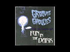 Groovie Ghoulies - (She's My) Vampire GIrl Halloween Playlist, Halloween Music, Halloween Cartoons, Vampire Girls, Music Licensing, Cartoon Gifs, Lonely Planet, Music Bands, The Darkest