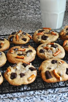 Lizzy Pancakes: chocolate chunk cookies with pretzels