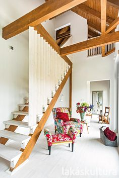 Hangulatos nyaralóház a Balaton-felvidéken - Lakáskultúra magazin Home Interior, Bali, Household, Stairs, Loft, Studio, Furniture, Home Decor, Houses