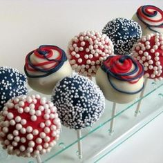 Jubilee cake pops in patriotic red, white & blue! Oh how delicious