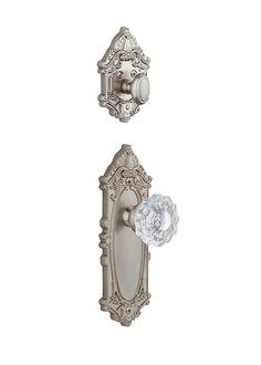 Grandeur Grande Victorian Handleset with Versailles Knob - Interior Half Only