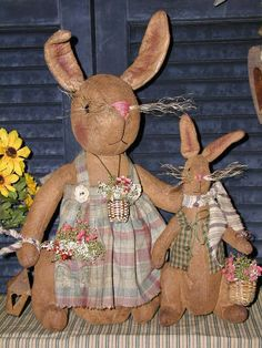 Primitive Folk Art Rabbit Dolls*Vintage Style*Mamma & Son*Spring*Mothers Day* #NaivePrimitive #SharonHall