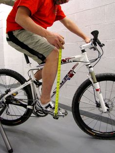 So, you're planning on purchasing or assembling your dream bike for the upcoming MTB season. What size should you choose? How long of a stem do you need? S