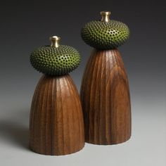 Walnut and Green Mills Made to order by lokimonkey on Etsy, Wood Turning Projects, Wood Projects, Salt N Peppa, Salt And Pepper Mills, Wood Bowls, Le Moulin, Bottle Stoppers, Wood Sculpture, Pepper Grinder