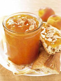 Confettura di albicocca, mandorle e vaniglia