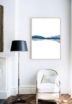 自分で描いた絵は、こんな風に額縁に入れてお部屋のインテリアにもどうぞ。思い出がすぐ側にある暮らしも素敵ですね。