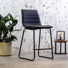These days, bar stools are indispensable in a kitchen. The Ryan is the perfect stool for the bar, kitchen island or high table. The molded seat and footrest are very comfortable. Available in 4 different colours. Industrial Bar Stools, Bar Kitchen, Kitchen Island, Foot Rest, Floor Chair, Colours, Blue Brown, Green, Table