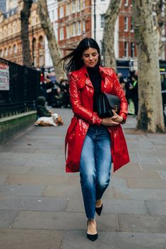 London Fashion Week Street Style Is Here to Bring You Nonstop Outfit Inspiration Fashion Editor, Fashion News, Fashion Beauty, Fashion Capsule, Autumn Street Style, Parisian Chic, London Fashion, Autumn Winter Fashion, Celebrity Style