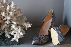 Sustainable & Ethical Fashion Shoe Made in Spain. 100% ecological leather. Heel made from 100% wood and stylish python pattern.