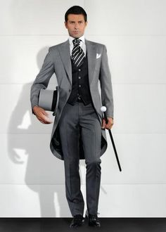 Best Selling 2017 Custom Mens Suits Italian Tailcoat Gray Wedding Suits For Men Groom