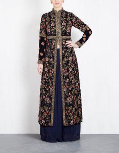 Ideas Embroidery Designs Fashion Indian Skirts For 2019 Modern Hijab Fashion, Muslim Women Fashion, Batik Fashion, Indian Fashion, Indian Skirt, Dress Indian Style, Outer Batik, Simple Pakistani Dresses, Elegant Dresses