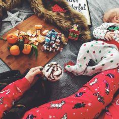 """705 aprecieri, 74 comentarii - Daniela Macsim (@danielamacsim) pe Instagram: """"Me, minnie & Christmas carols in the background. 🎺🌟🍊 ______________________________________…"""""""