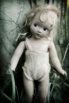 By Ragazza. Found this while looking for pictures of Edith the Lonely Doll. This is a sweet little dolly who does resemble Edith.