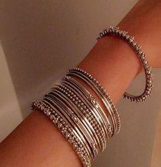 How To Make Silver Bracelets Key: 1469017839 Fancy Jewellery, Stylish Jewelry, Jewelry Sets, Jewelry Accessories, Jewelry Design, Fashion Jewelry, Jewellery Shops, Bridal Jewellery, Fashion Earrings