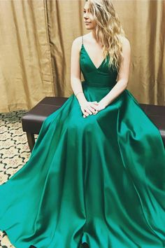 V-neck prom dress, ball gown, elegant green satin long prom dress with straps