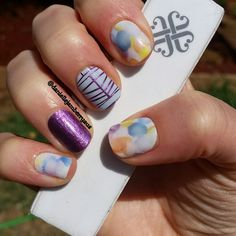 I love a mixed mani. This one is Sweet Splash, Fizzy Grape and Between the Lines Jamberry Nail wraps.   #jamberry #nailwraps #sweetsplash #fizzygrape #betweenthelines #manicure #nailart   https://daniellefalso.jamberry.com/au/en/