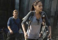 The 100's Lindsey Morgan on Raven's New Crisis, Possible Future With Finn