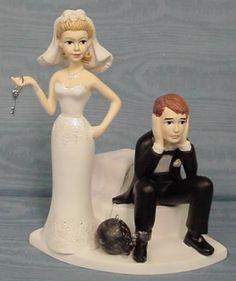12 Funniest Wedding Cake Toppers - Oddee.com (cake topper, wedding cake toppers...)