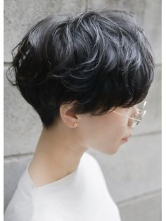 30 Hottest Short Layered Haircuts Right Now (Trending for - Style My Hairs Tomboy Haircut, Short Hair Tomboy, Androgynous Haircut, Tomboy Hairstyles, Asian Short Hair, Girl Short Hair, Pretty Hairstyles, Short Hair Cuts, Girls Short Haircuts