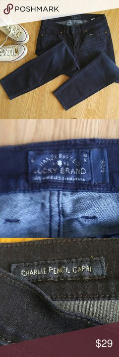 """Lucky Brand Charlie Pencil Capri Jeans 6 Super cool Lucky Brand Charlie Pencil Capris in a size 6/28... I'm 5'3"""", and these hit just at my ankle for a retro vibe. Dark wash, really good used condition, rarely worn! Lucky Brand Jeans Ankle & Cropped"""