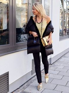 Berlin Fashion, Fashion Over 50, Look Fashion, Womens Fashion, Fashion Trends, Instagram Outfits, Classy Outfits, Casual Outfits, Berlin Mode
