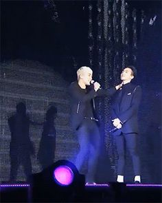 I feel embarrassed for gd but I also feel the fun Seungri is havin