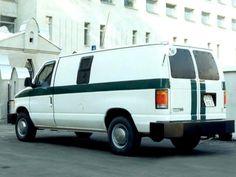 """Производился в дизайн-центре """"Стиль"""". Один из самых популярных банковских автомобилей в 1995-2000 годах. Collection Services, Auto Service, Ford, Van, Vehicles, Car, Vans, Vehicle, Vans Outfit"""