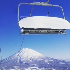 Mama told me there'd be days like this  |  @winterjazz1 | #bluebirdpow #chairlift #japow #niseko #powderlife by powderlife_com
