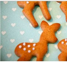 Adorable deer ginger bread cookies, great alternate way to do ginger bread cookies