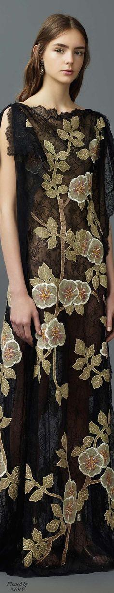 Valentino Resort 2017 l Ria: Valentino 2017, Valentino Resort, Valentino Garavani, Beautiful Gowns, Beautiful Outfits, 3 4 Face, Fashion 2017, Womens Fashion, Italian Fashion Designers