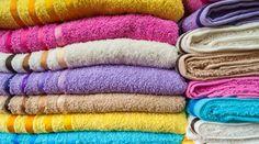 Entenda por que usar vinagre para lavar toalhas de banho é MELHOR truque possível