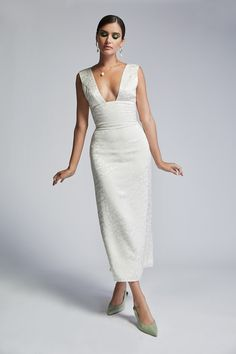 Wedding gowns for the modern bride. Chic bridal wear with flag ships in NY, LA, SF and CHI. Sexy Wedding Dresses, Wedding Gowns, Sarah Seven Bridal, Sewing Designs, Nice Dresses, Formal Dresses, Leopard Dress, Princess Dresses, Wedding Rehearsal