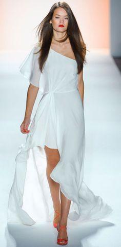 Jenny Packham Spring 2012 Ready-to-Wear Fashion Show Collection: See the complete Jenny Packham Spring 2012 Ready-to-Wear collection. Look 9 White Fashion, Look Fashion, Runway Fashion, Fashion Show, Womens Fashion, Jenny Packham, Haute Couture Style, Runway Models, Bcbg