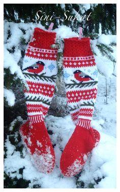 Punatulkut Oksalla pattern by Sinikka Nissi Mittens Pattern, Knit Mittens, Knitting Socks, Hand Knitting, Knitted Hats, Knitting Patterns, Crochet Socks, Knit Or Crochet, Felted Slippers