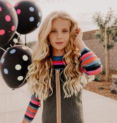 Teenage Girls Birthday Party Ideas, Birthday Girl Pictures, Teenager Birthday, Teen Birthday, 13th Birthday, Beautiful Red Hair, Beautiful Little Girls, Preteen Girls Fashion, Little Girl Fashion