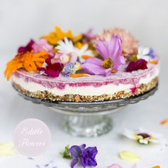 Flower Power Cake from Green Kitchen Stories - edible flower as embellishmentment  http://www.greenkitchenstories.com/flower-power-cake/ #cakes #baking #foods
