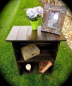 Custom Milk Crate Nightstand oder Beistelltisch - New DIY Deco