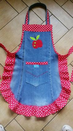 Jeans Refashion Sewing Projects Sewing Crafts Fabric Crafts Sewing Aprons S Jean Crafts, Denim Crafts, Refaçonner Jean, Jean Bag, Sewing Hacks, Sewing Crafts, Sewing Tips, Fabric Crafts, Sewing Tutorials