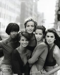 Naomi Campbell, Linda Evangelista, Tatjana Patitz, Christy Turlington and Cindy Crawford - Peter Lindbergh - January 1990 issue