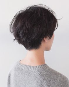 You do things… Short Hair Tomboy, Asian Short Hair, Girl Short Hair, Short Curly Hair, Short Hair Cuts, Curly Hair Styles, Tomboy Hairstyles, Pretty Hairstyles, Tomboy Haircut