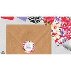 Stickers mariage personnalisés sont idéaux pour décorer une enveloppe, des boîtes à dragées, pour personnaliser un candy bar ou une sweet table, pour vos cadeaux invités. Les autocollants peuvent être coordonnés à votre faire-part de mariage en reprenant le graphisme de votre papeterie ou être une création sur-mesure.